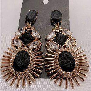 New Macys Black & Gold Sunburst Large Earrings